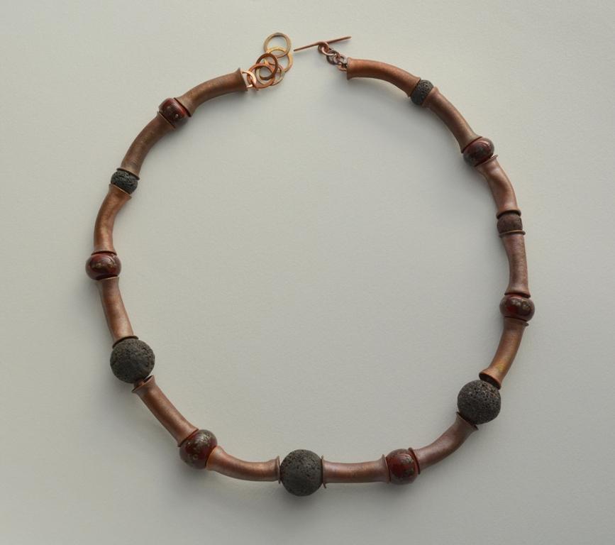 05 collar lava- cobre oxidado- cuentas de lava del volcán villarrica - cuentas de vidrio murano - 1