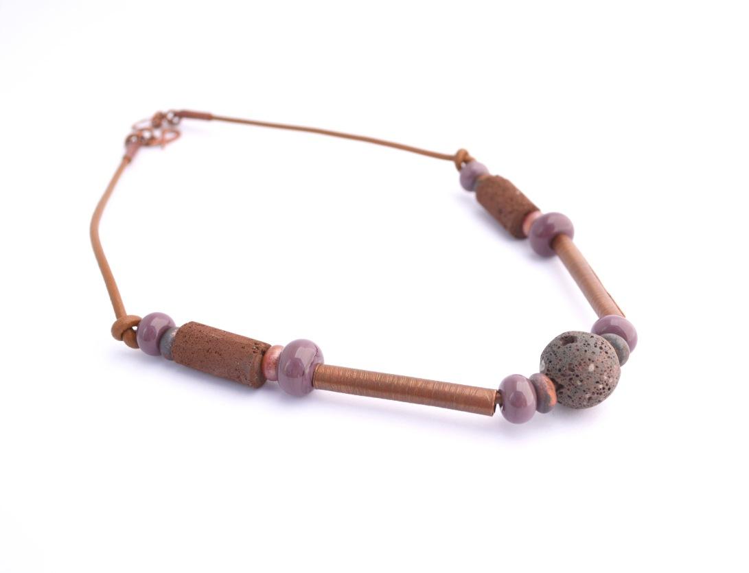 29-collar-oxidado-2-cuero-cobre-oxidado-lava-volcan-choshuenco-cuentas-de-vidrio-murano-jpg
