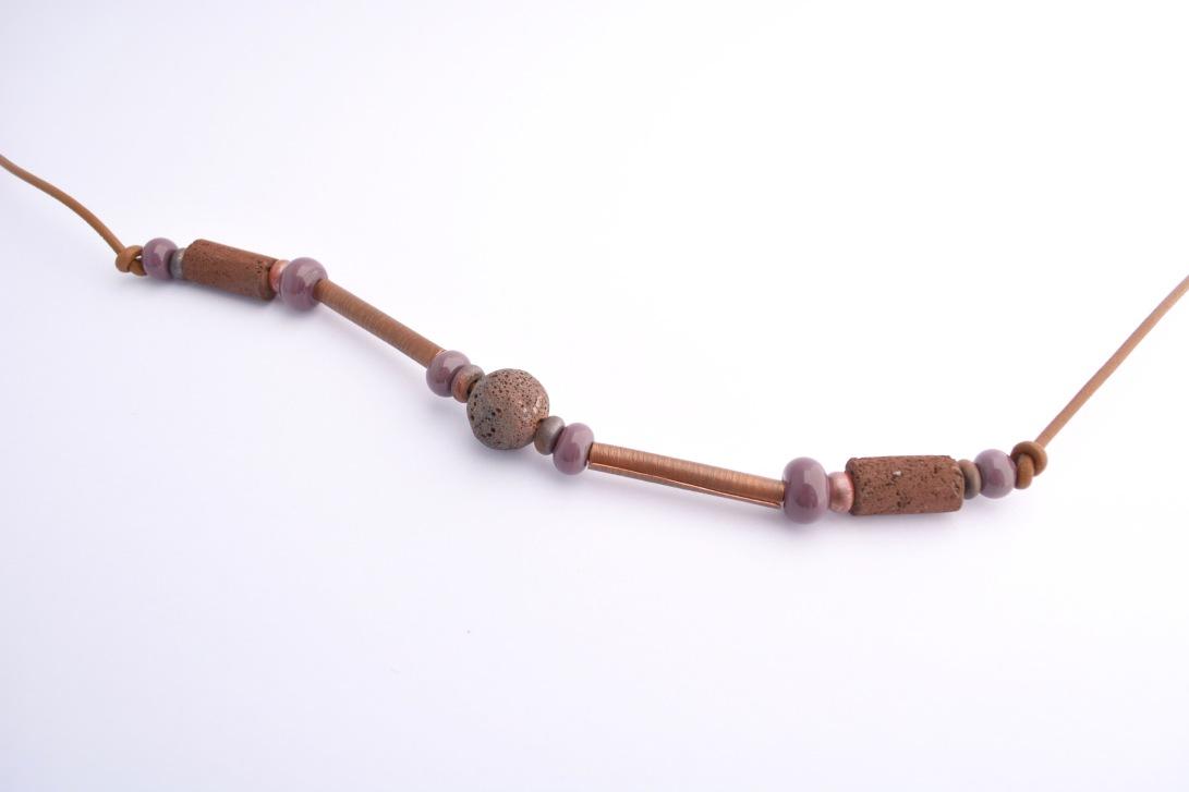 29-collar-oxidado-4-cuero-cobre-oxidado-lava-volcan-choshuenco-cuentas-de-vidrio-murano-jpg