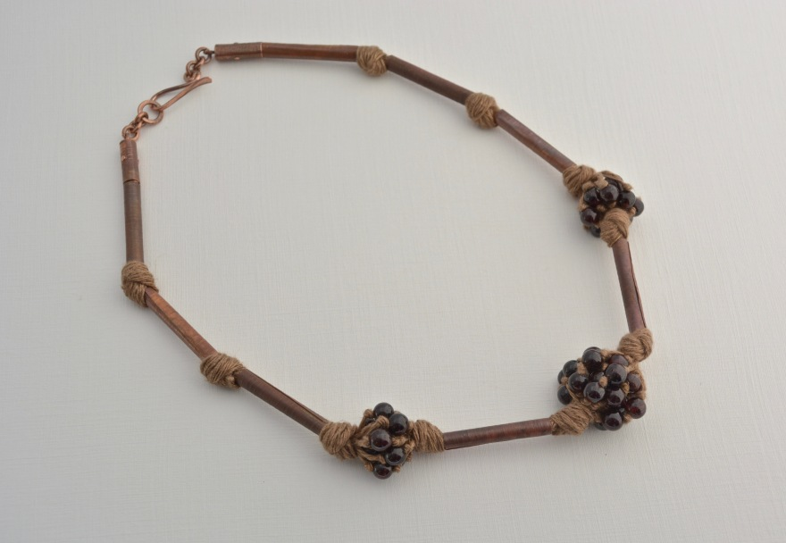 32.1 collar granates-cobre oxidado-lino-granates