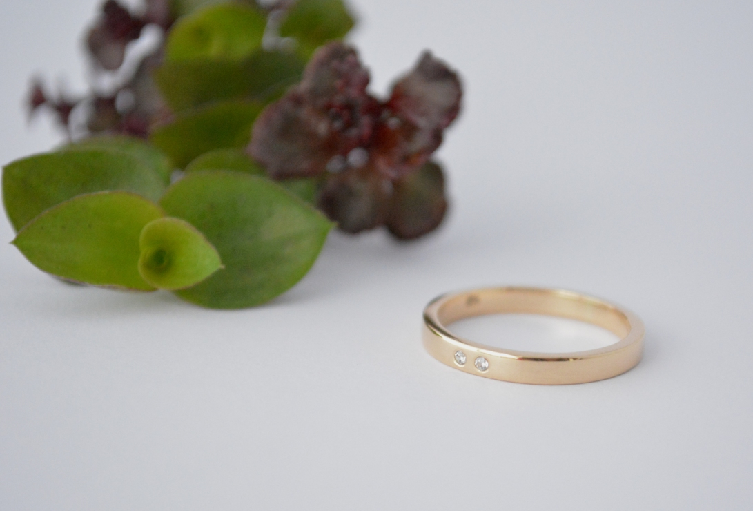 36.1 anillo oro 18k zirconias swarovski